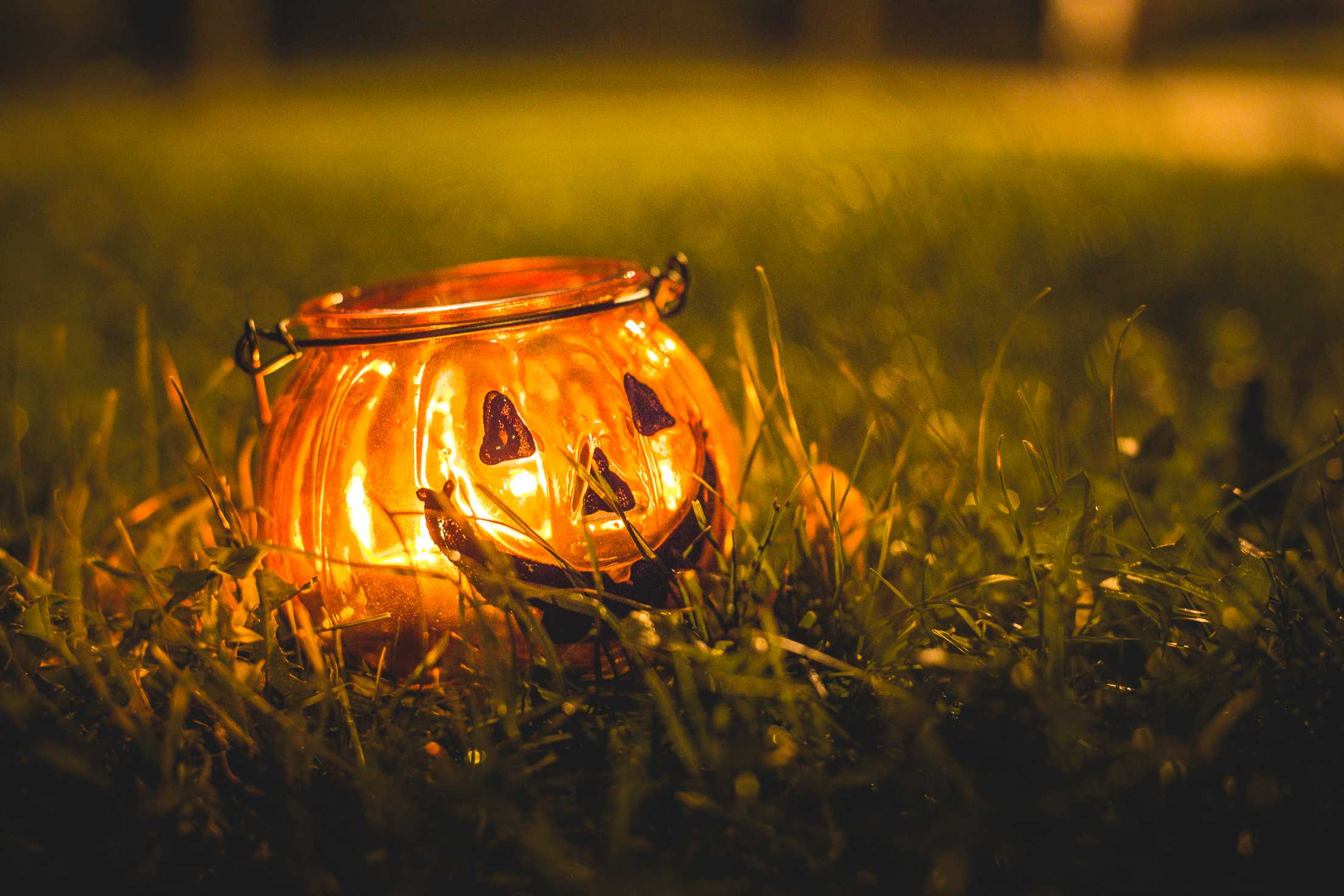 15 halloween safety tips for kids who are blind or have low vision