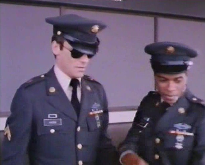 Richard Dean Anderson playing Tony Kaiser on Ordinary Heroes