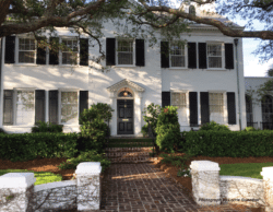 Image of a older home in downtown Tampa.